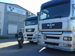 Fahrer für Containertransport im Hamburger Hafen