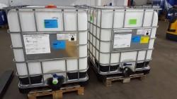2 leere IBC Container