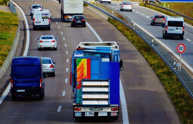 """Gütertransporte: """"Fahrerlose Lkws erfordern Entscheidung"""