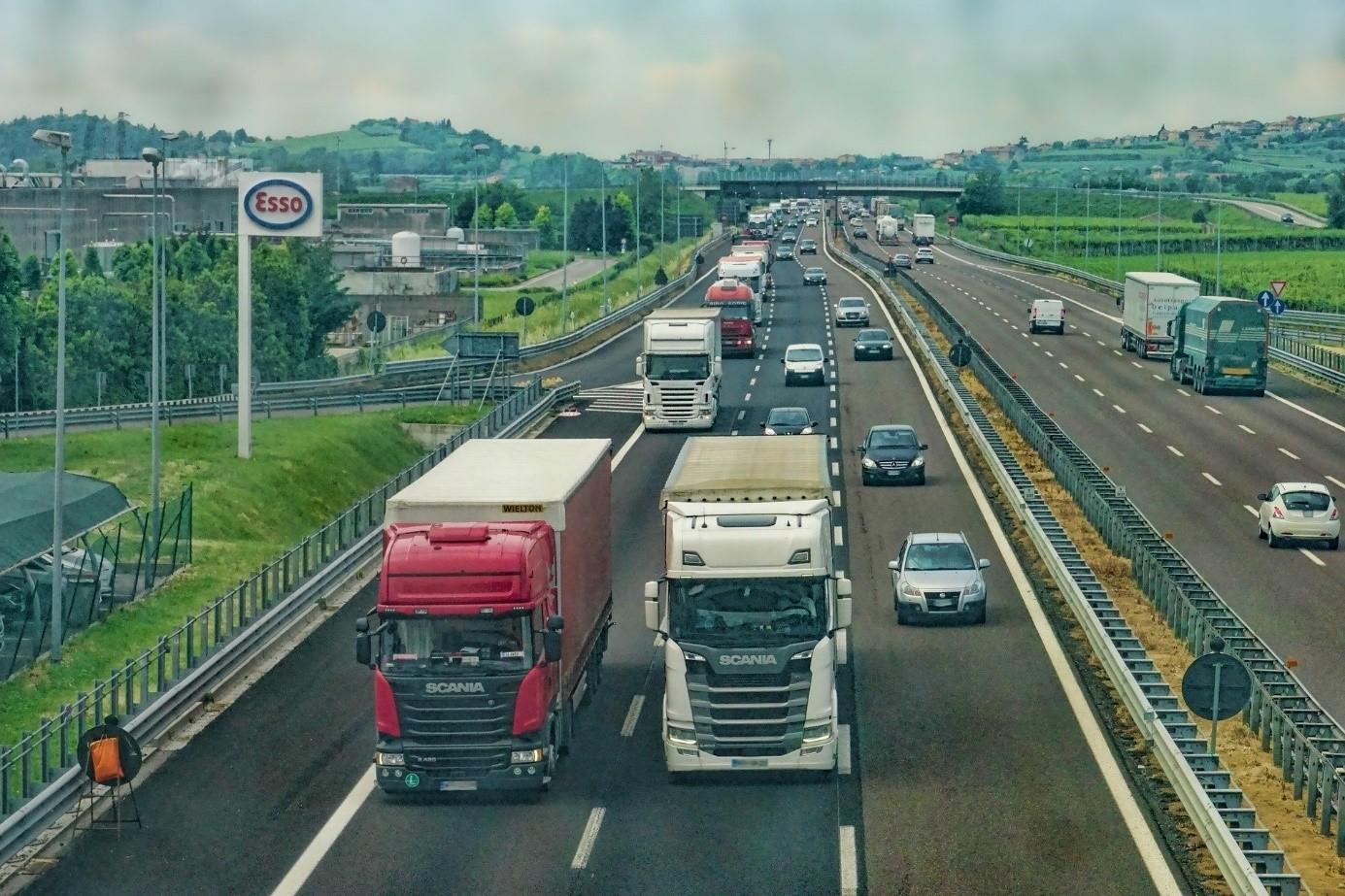 Effizientes Flottenmanagement und Einsparungen durch Tankkarten
